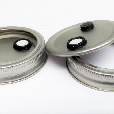 Custom made lids for spawn jars